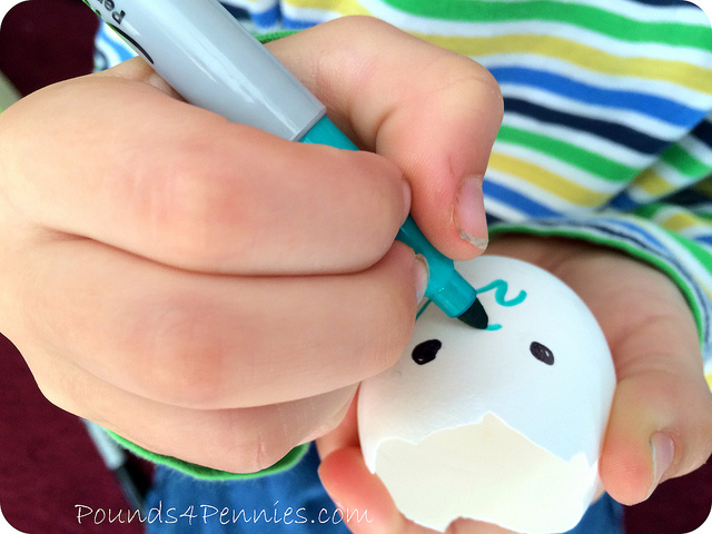 Drawing on eggshell