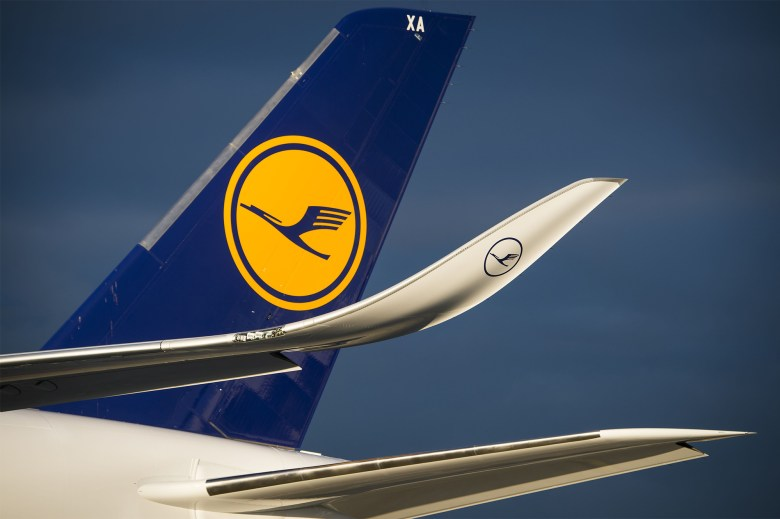 LH A350 Tail (Airbus S.A.S.)
