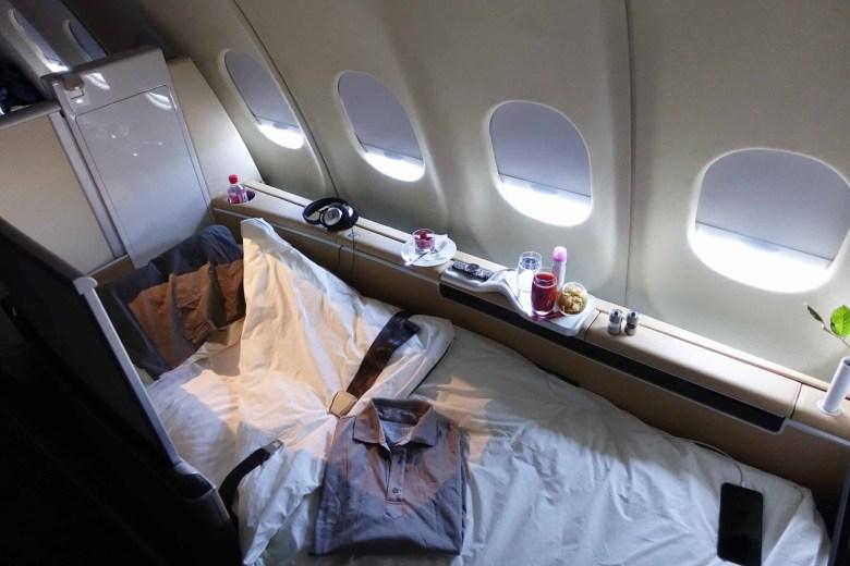 LH A380 First Bed (Pilot Patrick).jpg