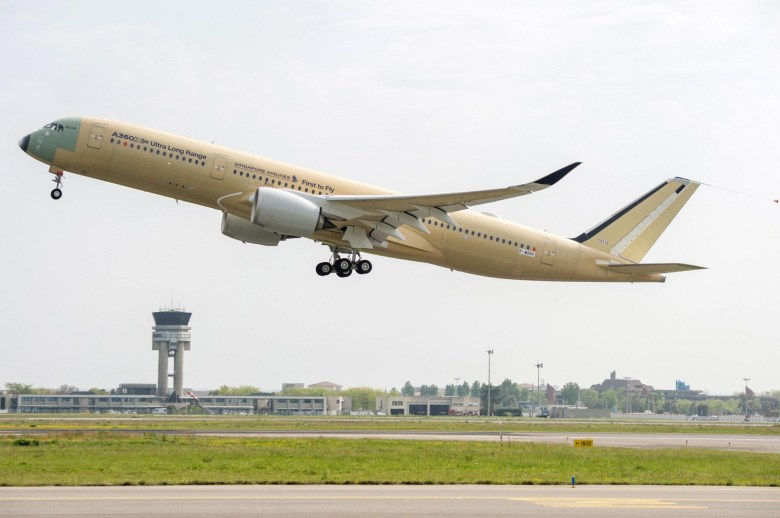 SQ A350ULR First Flight (Airbus)