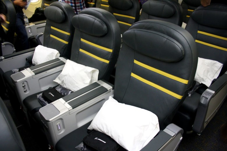 ScootBiz 787 (Australian Business Traveller).jpg