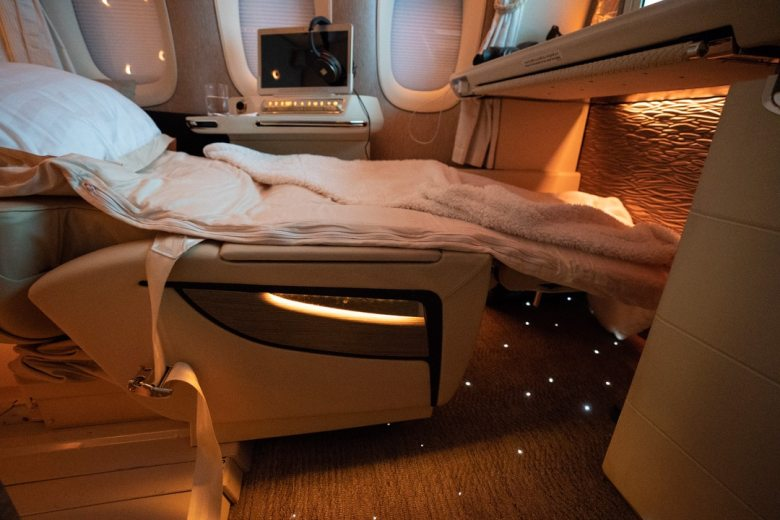 !Flight Hacks Emirates-New-777-First-Class-Suite-Review-89-of-95