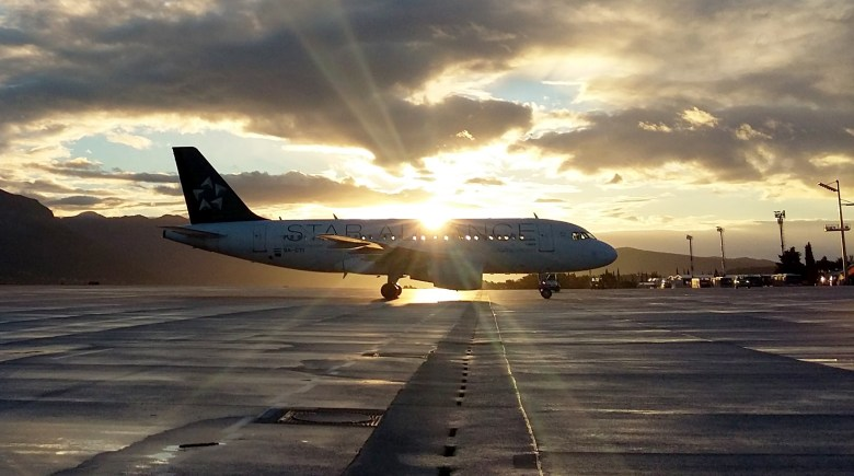 Star Alliance Plane Sunset (Marina Hinic).jpg