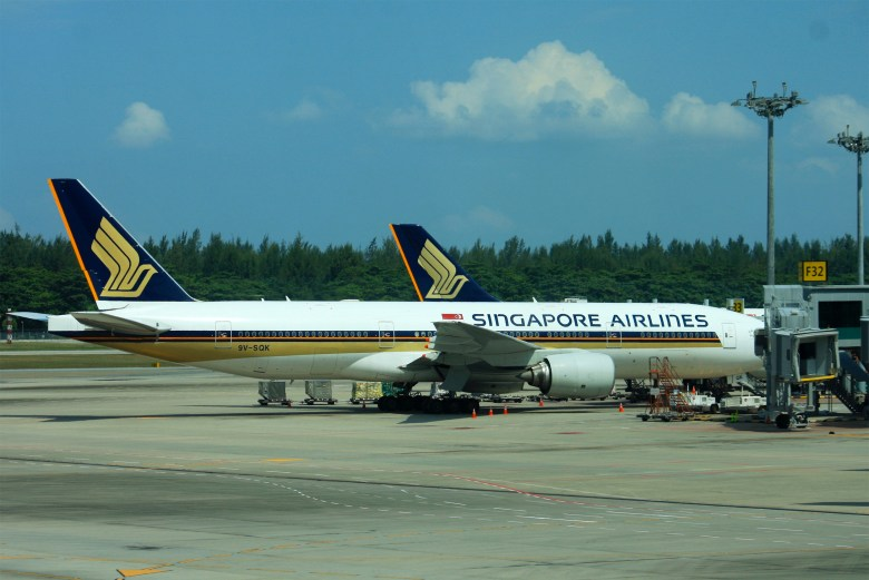 SQ Planes at Changi (Andrew Thomas)