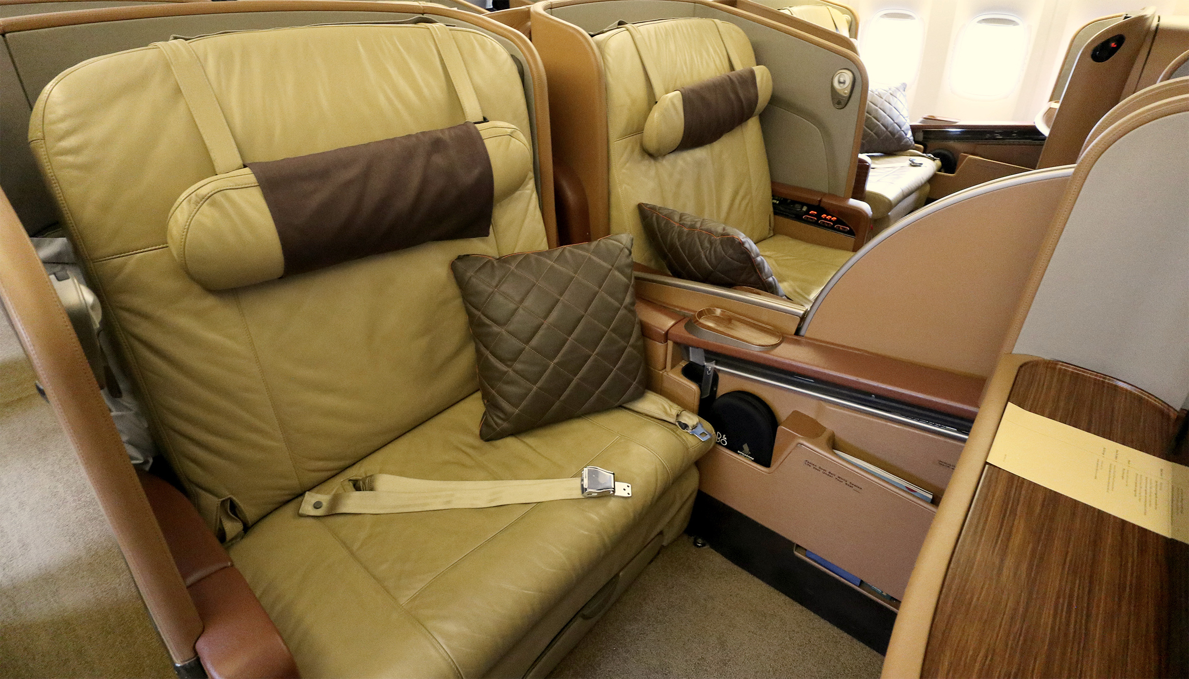 Is Singapore Airlines withdrawing First Class from the Manila route?