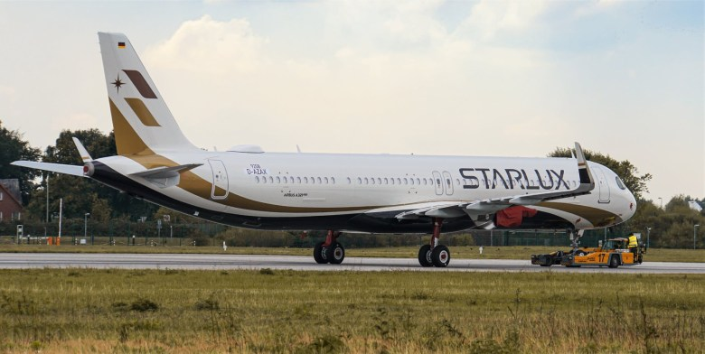 JX A321 2 (Starlux Airlines).jpg