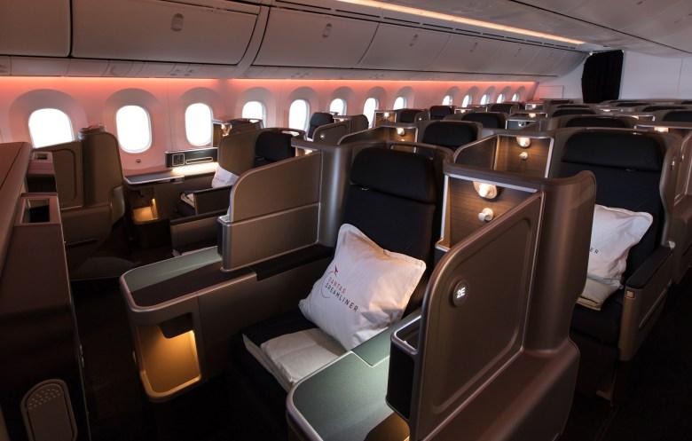 Qantas 787 J s (Qantas).jpg