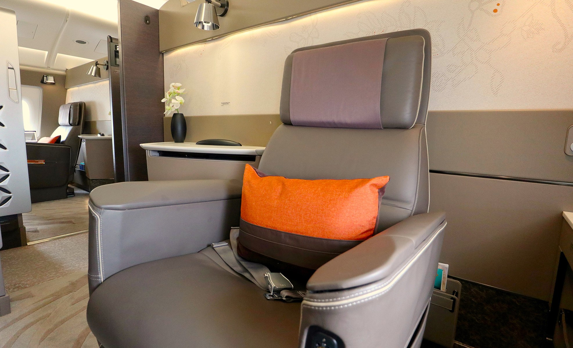 Singapore Airlines First Class seat and Suite types by route ...
