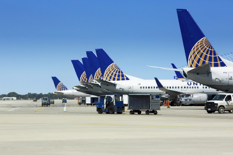 UA Planes at ORD (United Airlines).jpg