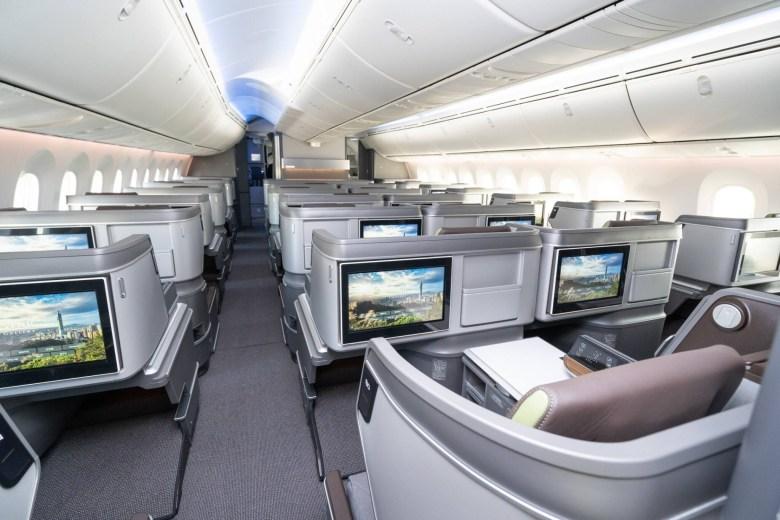 BR 789 J (EVA Airways Corporation).jpg