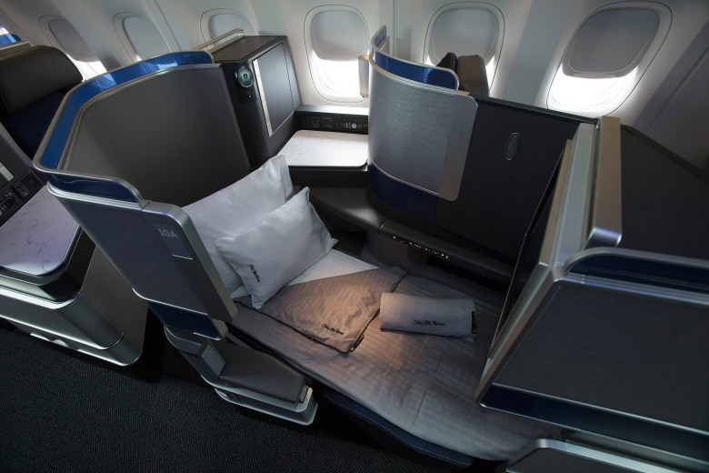United Polaris Bed (United Airlines)