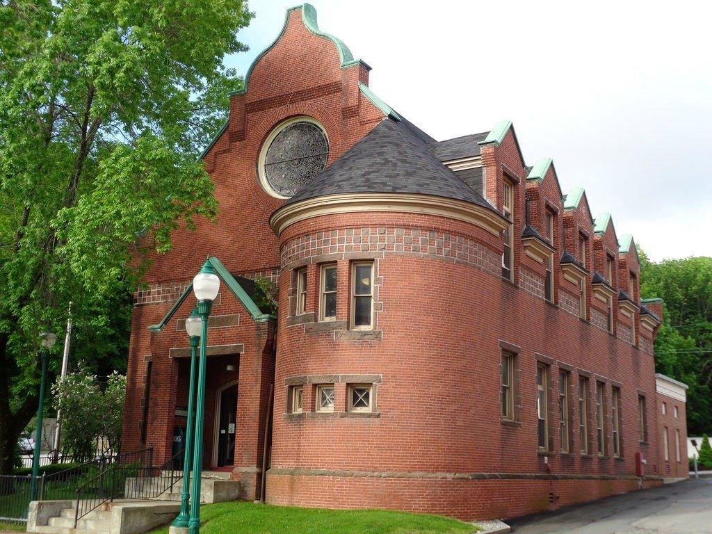 Public-Library-Gardiner-Maine