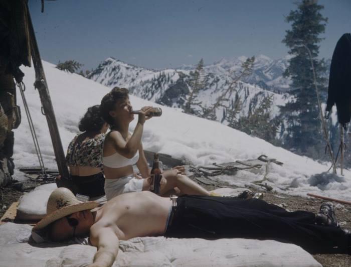 Circa1885-Ski-Bunnies