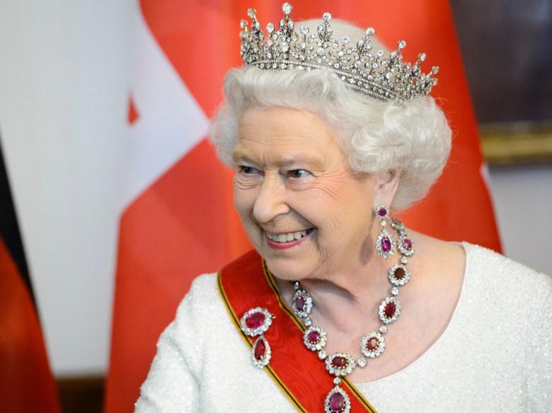 Привилегии королевы Елизаветы II и ее семьи