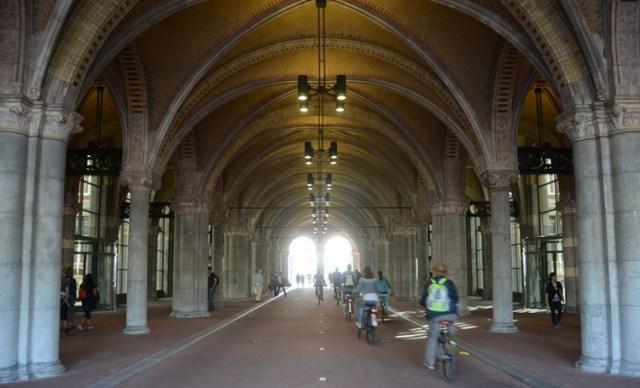 amsterdam_rijksmuseum_tunnel_2