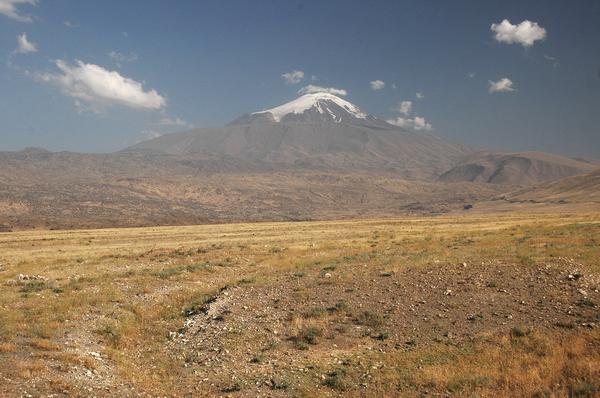 De verkeerde berg is wel erg mooi.