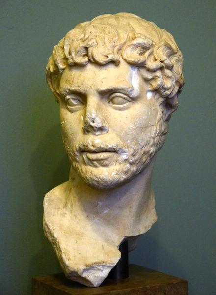 Zo zal Appianus er ongeveer uit hebben gezien: met een korte baard. Een Romein uit het tweede kwart van de tweede eeuw uit de Ny Carlsberg G in Kopenhagen.