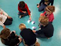Les Robots Blues Bots intelligents et interactifs de la classe maternelle
