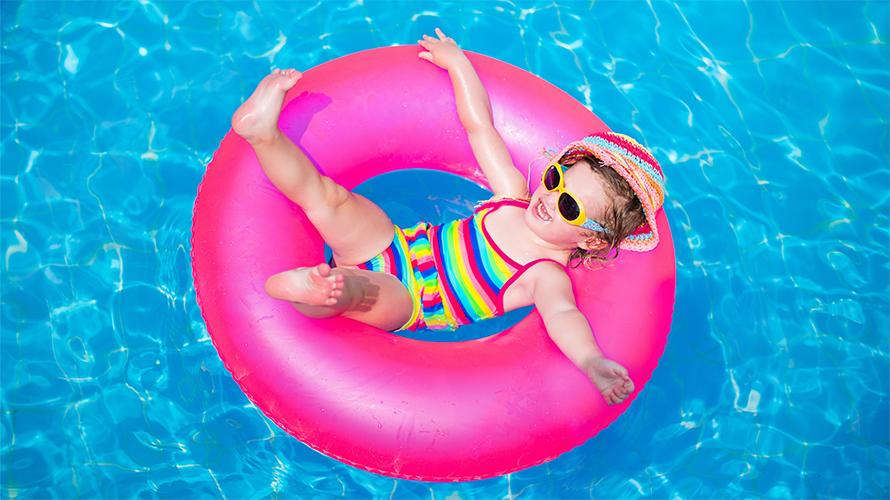 Ventajas de vivir en un condominio con piscina