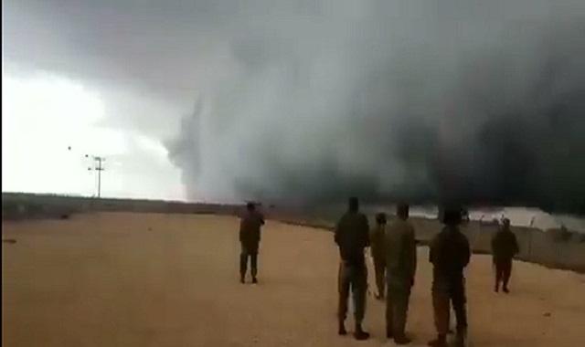 Nuvem que chamam de Mão de Deus aparece na fronteira de Israel