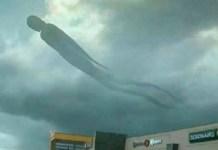 Nuvem com formato de ser humano causa pânico nas pessoas