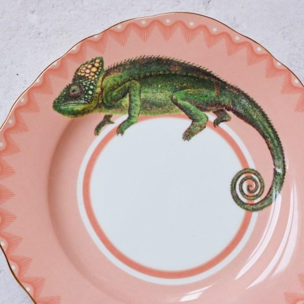Crafty Chameleon Cake Plate_Detail