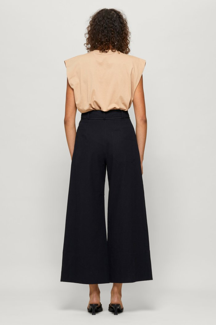 Nour Trousers in Black
