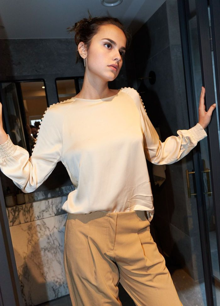 Blouse with Raglan and Smock Cuffs in Vanilla