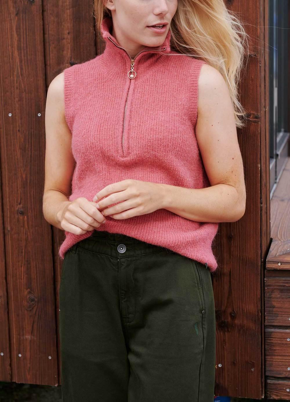 Alpaca Vest with Zipper in Pink