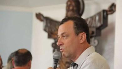Em seu primeiro ato como prefeito, Júlio Pimenta exonerar xx cargos comissionados
