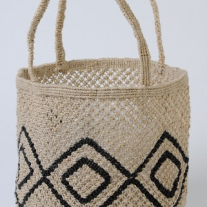 Small round jute macrame bag