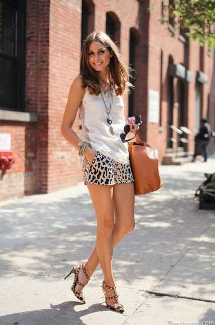 dressy shorts leopard with white top olivia palermo summer street style chic