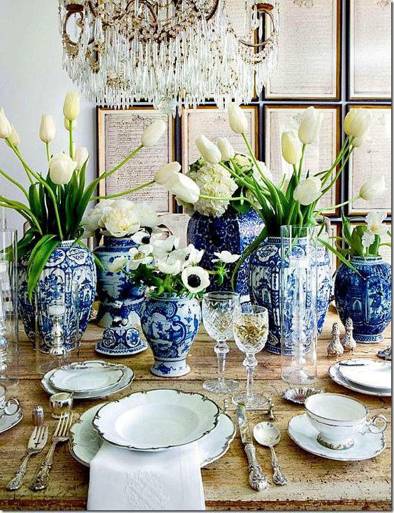 blue-and-white-tablescape