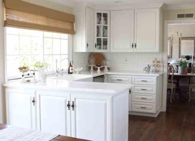 white-kitchen-spring-decor