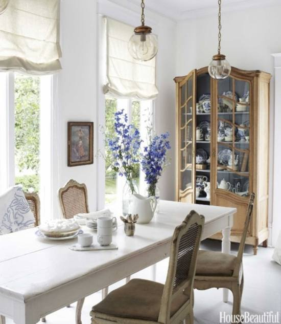 french-blue-and-white-dining-room