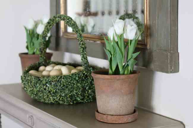 tulips-easter-basket-decor