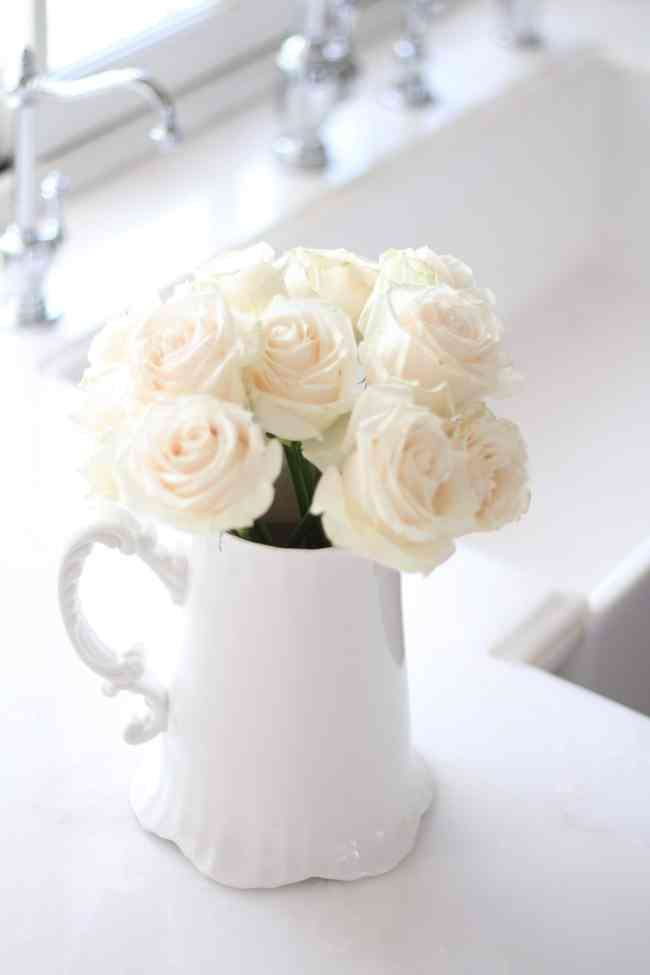 white-roses-decorating-flowers-2