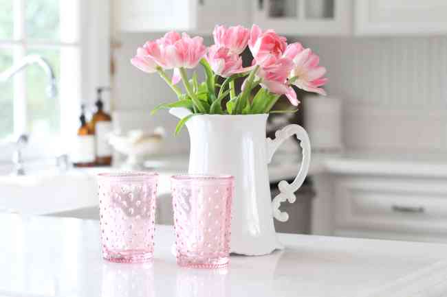 pink-tulips-decorating-flowers