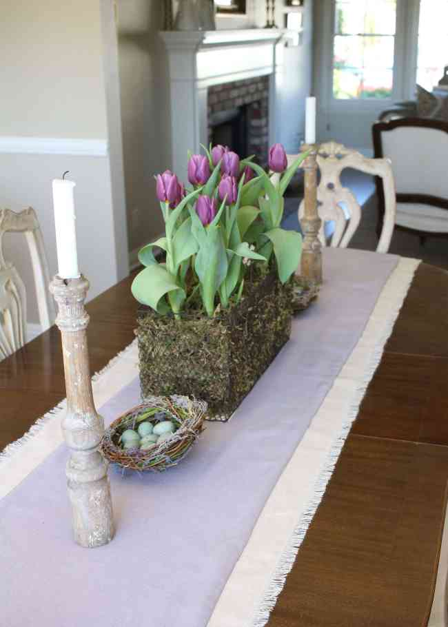 tulips-easter-table-decor