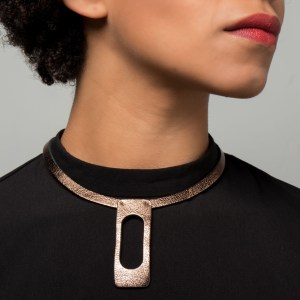 Collar Thea de cuero por Maison Domecq