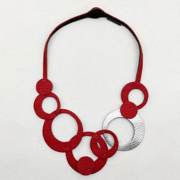 collar Olivia Corto Rojo y Plata