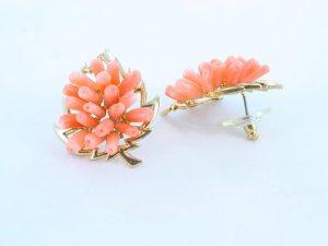 Boucles oreilles en corail rose et plaque or BO-CO-RO-025