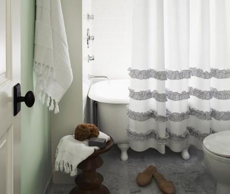 rideau de douche a volants