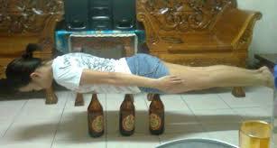 """""""Planking sur bouteille"""""""