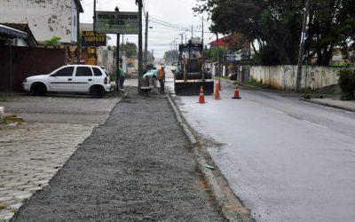 Ruas do bairro Vargem Grande recebem calçadas