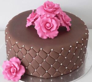 Pasta de leite ninho para cobrir bolos