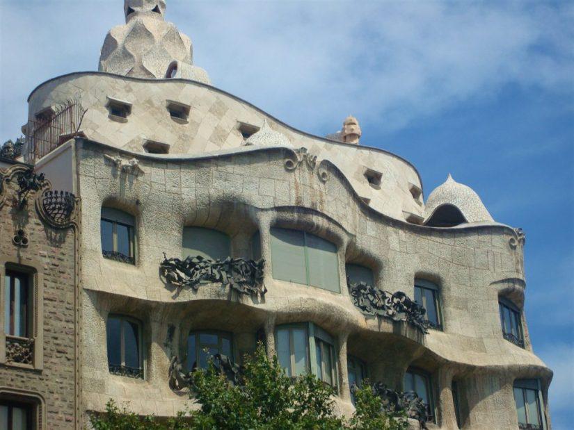 Prédio La Pedrera de Antonio Gaudi