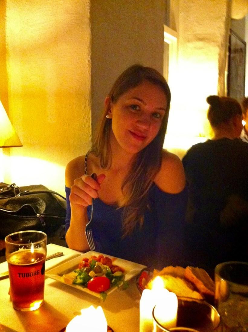 Jantando no restaurante Eros, Copenhague.