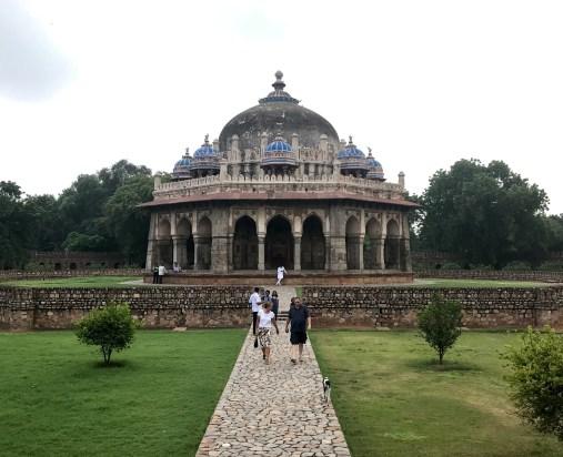 Tumba de Isa Khan Niazi localizada no complexo da Tumba de Humayum.