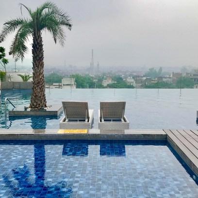 Piscina do Hotel Radisson Blu Agra
